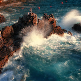 HUGE WAVES AT MANAROLA by Paolo Lazzarotti - Landscapes Waterscapes ( huge wave, emerald waves, sunset, seascape, manarola, red cliffs,  )