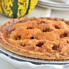 Organic Apple Pie with Cheddar Crust