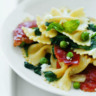 Farfalle with Spinach and Peas