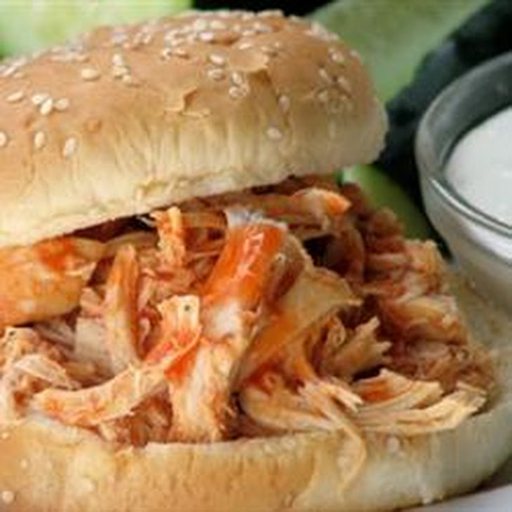 Slow Cooker Buffalo Chicken Sandwiches Rezept | Yummly