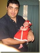 valeria.y.papa.modelando.vestido.rojo.02