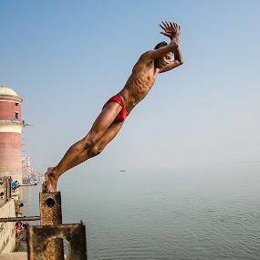Ghats of Varanasi (20).jpg