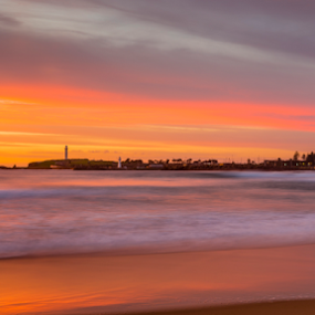 Wollongong Sunrise by Bradley Rasmussen - Landscapes Sunsets & Sunrises ( canon, lee filters, eos24-70, wollongong, sea, cloud, nsw, sunrise, seascape, 6d )