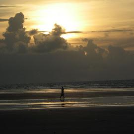 early morning @ sea beach...... by Abhishek Kundu - Landscapes Beaches