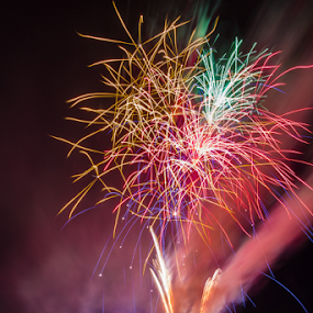 Explosion de couleurs by Thierry Madère - Abstract Fire & Fireworks