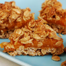 Crumbly Oat and Apricot Bars Recipe