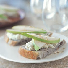 Walnut Crostini with Gorgonzola and Pear