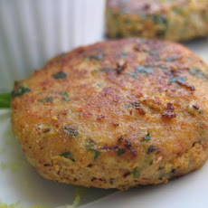 Thai Fish Cakes With Hot Peanut Dip