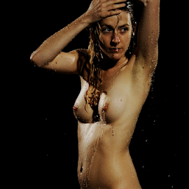 Playing with water by Vineet Johri - Nudes & Boudoir Artistic Nude ( water playing, vkumar, art nude, studio lighting workshops london, girl )