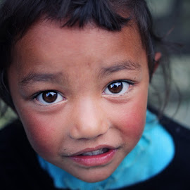 Big Bright Eyes by Nguyen Kien - Babies & Children Children Candids ( naive, child, children, nepali, cute )