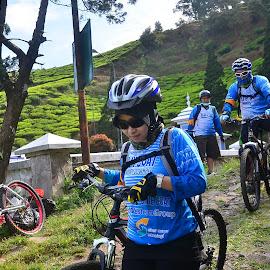 by Asridjaja Apolita - Sports & Fitness Cycling ( turun, sepeda, fifastufoni-fotografi, downhill, cycling, sport )