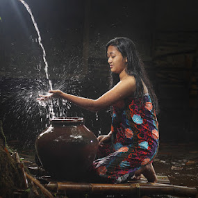 basuh by Ramadhan Bagaskara Arya Parmuka - Babies & Children Children Candids ( air )