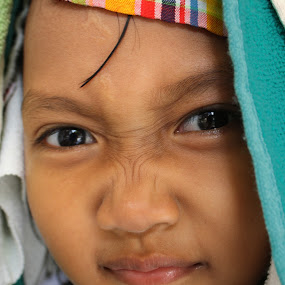 cesa by Rully Kustiwa - Babies & Children Child Portraits ( bogor, girl, shalimar cesauri kustiwa, hegarmanah, kids, canon eos,  )