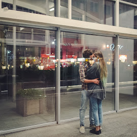 Reflections by Crihan Vlad - People Couples ( reflection, vlad crihan photography, vintage, couple, cute, photo, vlad crihan, Urban, City, Lifestyle )