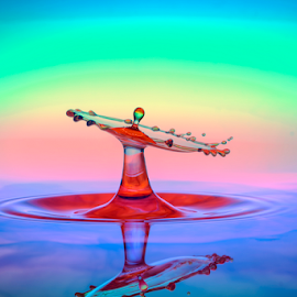 Pancuran nyempliq by Eko Hernowo - Abstract Water Drops & Splashes