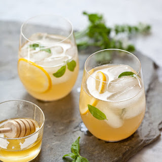 Whiskey Lemonade Recipe with Honey Simple Syrup