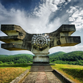 Monument to antifascisme by Stjepan Valjak - Buildings & Architecture Statues & Monuments
