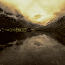 Geiranger by Øyvind Edvardsen - Landscapes Mountains & Hills ( norway )