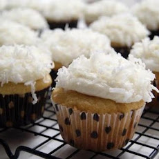 Coconut Cupcakes With White Chocolate Cream Cheese Frosting