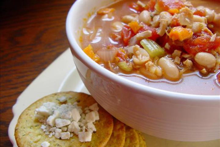 Crock Pot Chicken and Bean Soup