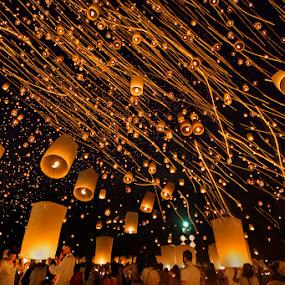 Yi Peng Lantern Festival Celebration by Joseph Goh Meng Huat - City,  Street & Park  Night ( canon, canon 5diii, thailand, yi peng lantern festival, tourism, travel, people, photography, lantern, night photography, festival, joseph goh meng huat, long exposure, night, celebration, chiang mai, travel photography )