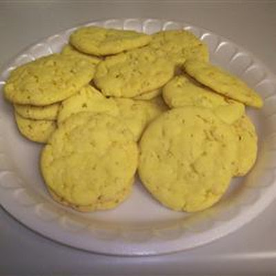 Crisp Little Lemon Cookies