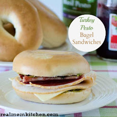 Turkey and Pesto Bagel Sandwiches