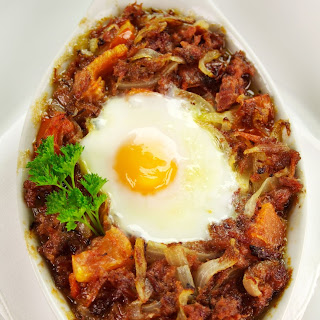 Crispy Corned Beef Hash & Eggs