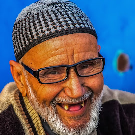 Marrokan happiness by Pedro Pulido - People Portraits of Men ( marrakesh, happiness, old man, local, portrait )