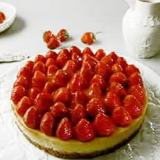 Fromage Frais Cheesecake with Strawberry Sauce