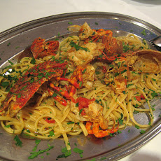Lobster With Linguine & Garlic Lemon Sauce