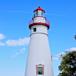 Marblehead Lighthouse by Lori Amway - Buildings & Architecture Public & Historical ( sandusky ohio, marblehead, ohio, sandusky bay, lighthouse, great lakes )
