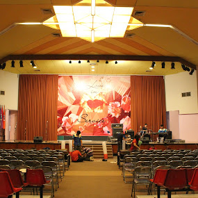 Scene from below by Dennis d'Soulz - News & Events World Events ( wtsp2014, ukpetra, scene, loveinservice, auditorium )