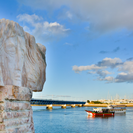 Head above water by Emanuel Mendes - Buildings & Architecture Statues & Monuments ( sigma, algarve, portimão, nikon d, portugal )