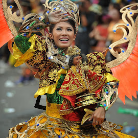 Sinulog Grand Parade 2014 by Ferdinand Ludo - News & Events World Events ( cebu city, once a year, blessed sto nino, festival queen )
