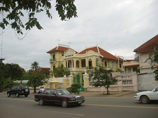 Niektórym w Kambodży żyje się bardzo dobrze