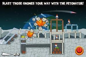 Screenshot of Paper Glider vs. Gnomes