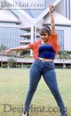 Ramya Hot : Ramya Krishnan is in mood and posing hot and sexy still image photos