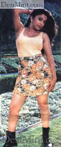 South Indian Bomb Ramya Krishnan : Ramya Krishna Showing Her Sexy Figure : Hot Still Pics