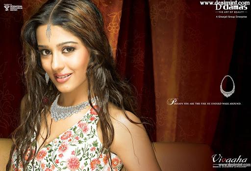 Amrita Rao Hot Pics : Indian Actress Amrita Rao Masala Gallery