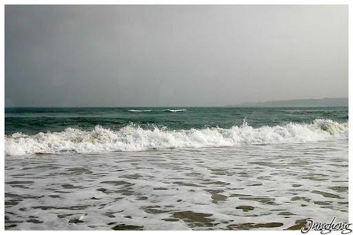 漲潮時的浪