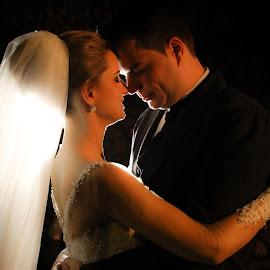 by Jean Manara - Wedding Bride & Groom