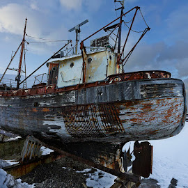 SI - 152 by Fokion Zissiadis - Transportation Boats ( shipwreck si 152 vessel seascape )