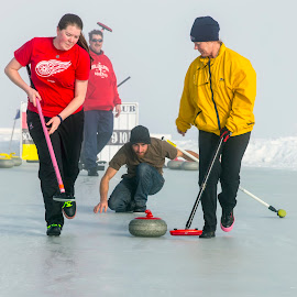Outdoor Curling by Rachaelle Larsen - Sports & Fitness Other Sports ( idaho, outdoor curling, sawtooth outdoor bonspiel, sawtooth mountains, sweeeep! )