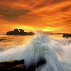 oranje by Raung Binaia - Landscapes Waterscapes