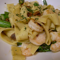 Shrimp, Asparagus and Pesto Fettuccine