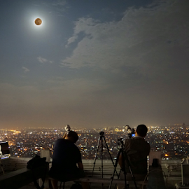 Hunting Supermoon by Matius Bartolomeus - City,  Street & Park  Skylines