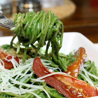 Pasta With Spinach Pesto And Roasted Tomatoes