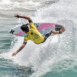 Favorite picture from the 2014 VANS US Open of Surfing. Filepe Toledo doing what became his signature move on his way to win the 2014 title. by Arrow Santos - Sports & Fitness Surfing ( doren, arrow, winner, round, ocean, beach, heat, huntington beach, photography, santos, toledo, vans, southern, surfing, surfer, spin, arrow santos, pier, men, trick, nikon, world tour, surf, man, semifinals, cool, water, arrow santos photography, vvng, 2014, tricks, waves, california, pacific, favorite, sponsor, women, us open of surfing, pro, air, asp, filepe, victor valley news, women's, huntington )