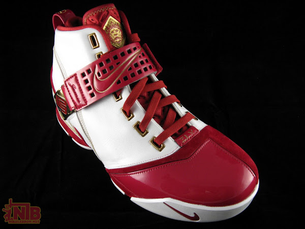 Velvet Nike Zoom LeBron V Cleveland Home Player Exclusive Part One